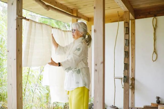 Cụ bà 76 tuổi yêu thích đọc sách, nấu ăn, sống gần thiên nhiên trong ngôi nhà thôn quê rộng 400m² ở Nhật Bản - Ảnh 9.
