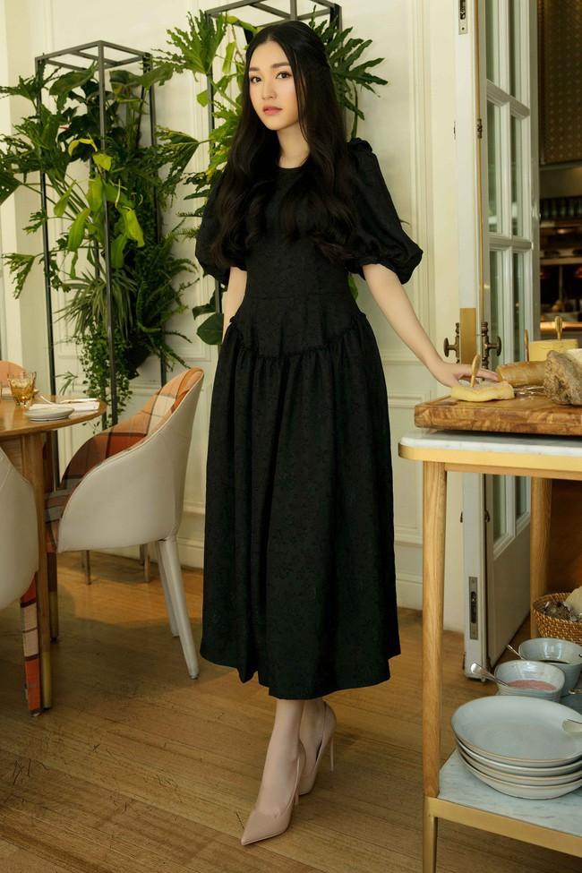 Diễm My 9X cuốn hút với váy đen khoe vai trần nõn nà, quyến rũ - Ảnh 4.