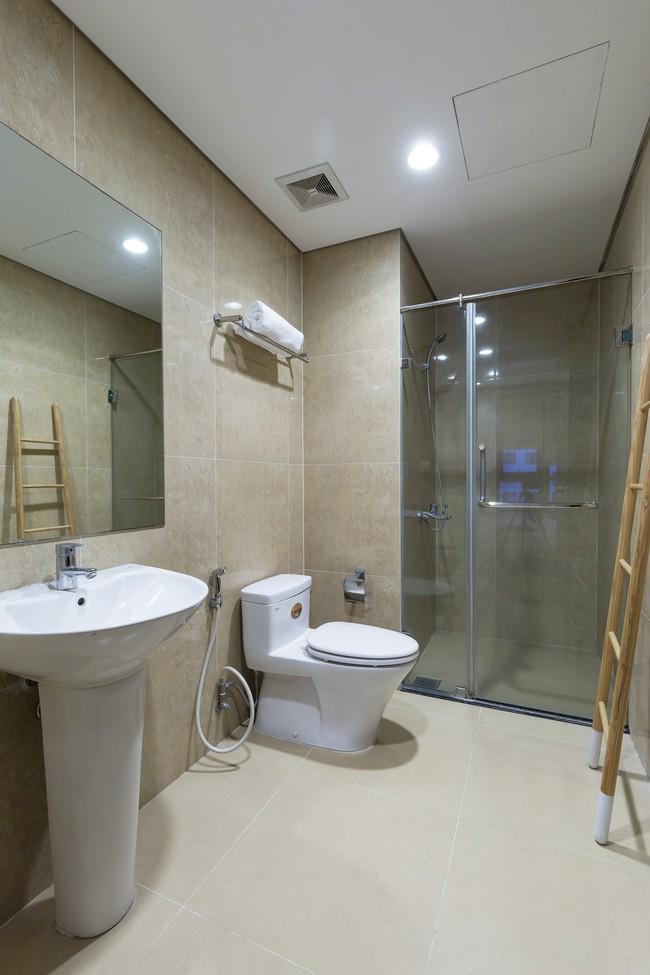 Cần hiện đại nhưng mê chất Việt xưa, chủ nhân căn hộ 73m² ở Minh Khai, Hà Nội đã chi 270 triệu để biến giấc mơ thành sự thực - Ảnh 17.