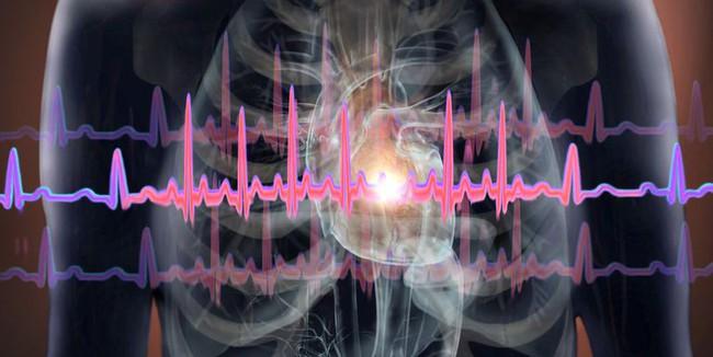 Dấu hiệu cảnh báo đau tim ở phụ nữ cực ít người biết - Ảnh 1.