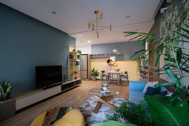 Căn hộ xanh thiết kế trên mong muốn thật ngầu nhưng ấm cúng của cặp vợ chồng trẻ ở Sài Gòn - Ảnh 1.