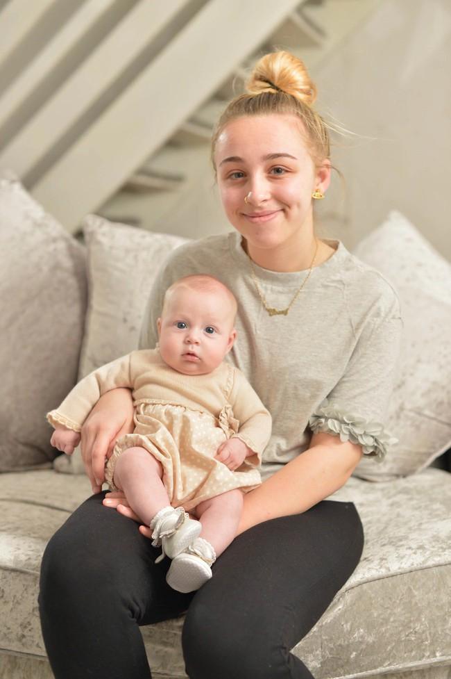 Lên cơn co giật rồi hôn mê 4 ngày, thiếu nữ tỉnh dậy ngỡ ngàng phát hiện mình đã sinh con và lên chức mẹ - Ảnh 3.
