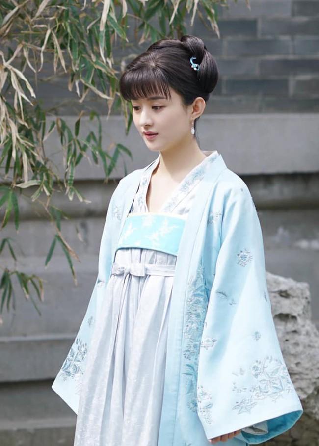 Triệu Lệ Dĩnh: Từ cô gái chỉ biết phùng mang trợn mắt cho đến nàng Minh Lan vạn người mê đắm  - Ảnh 7.