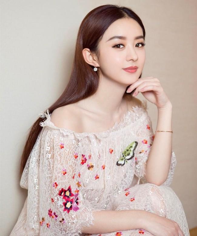 Triệu Lệ Dĩnh: Từ cô gái chỉ biết phùng mang trợn mắt cho đến nàng Minh Lan vạn người mê đắm  - Ảnh 3.