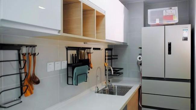 Căn hộ 48m² hẹp và dài gây ấn tượng với thiết kế mở có thể ở đến 6 người  - Ảnh 14.