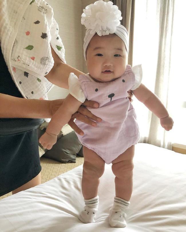 Lộ diện cháu gái của Tăng Thanh Hà: Mắt hí, má bánh bao ai thấy cũng yêu - Ảnh 7.