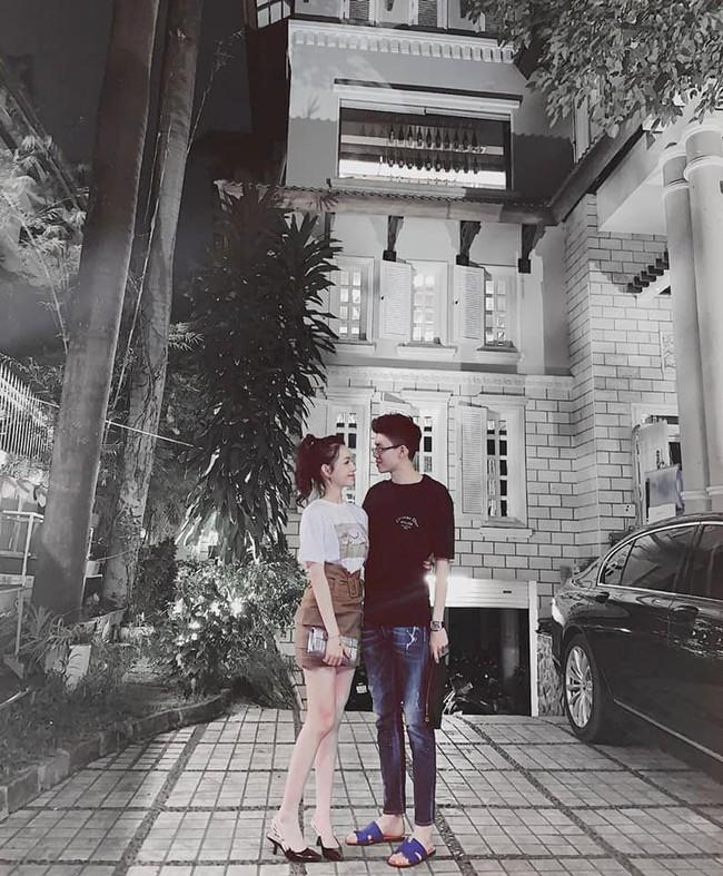 Sang chảnh như em trai Phan Thành và bạn gái: Đã chụp ảnh là chỉ tạo dáng trước siêu xe hoặc check-in ở nhà hàng xịn - Ảnh 5.