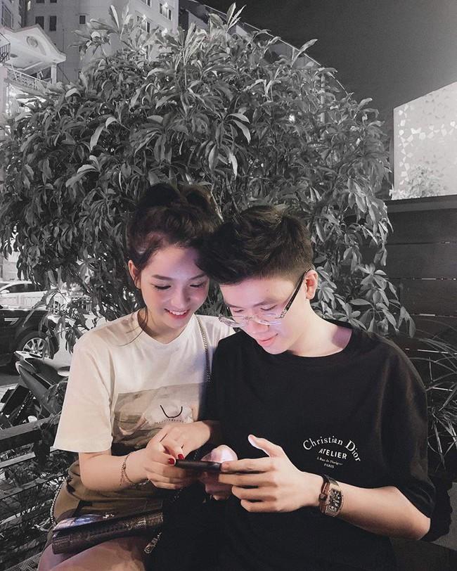 Sang chảnh như em trai Phan Thành và bạn gái: Đã chụp ảnh là chỉ tạo dáng trước siêu xe hoặc check-in ở nhà hàng xịn - Ảnh 7.