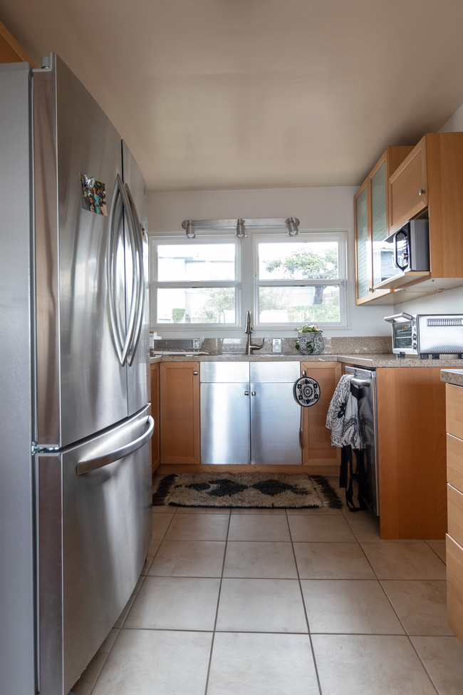 Được Marie Kondo truyền cảm hứng, cặp vợ chồng 2 con chuyển nhà nhỏ chỉ bằng nửa diện tích nhà cũ và tạo nên điều kỳ diệu - Ảnh 7.