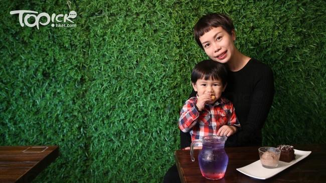 Cả hai con đều bị bệnh nặng, người mẹ quyết tâm làm điều này dù bị cả gia đình phản đối để luôn được gần con - Ảnh 1.