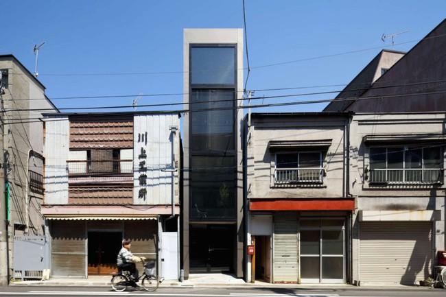 Với chiều rộng 1,8m, ngôi nhà siêu mỏng ở Nhật Bản vẫn tạo sự thoải mái và tiện nghi bất ngờ cho người sử dụng - Ảnh 2.
