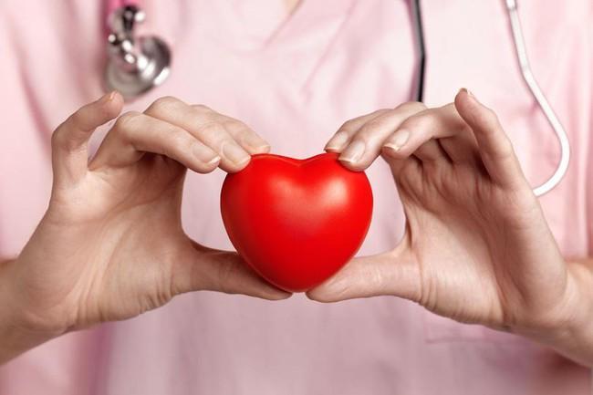 Đây là chế độ ăn hàng đầu có lợi cho tim và giảm nguy cơ đau tim, đột quỵ - Ảnh 1.