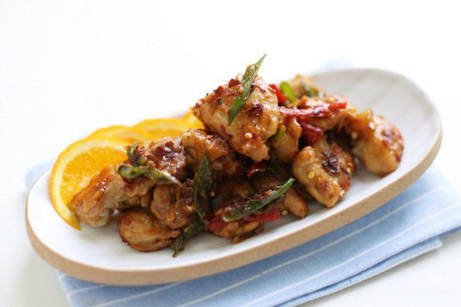Trời lạnh ăn cơm với gà rang cay là ngon miễn chê - Ảnh 5.
