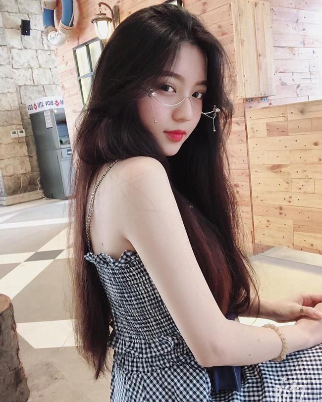 Biết Việt Nam có cả rổ girl xinh nhưng Bâu mới chính là người được gọi tên nhiều nhất trên các diễn đàn gái đẹp - Ảnh 1.
