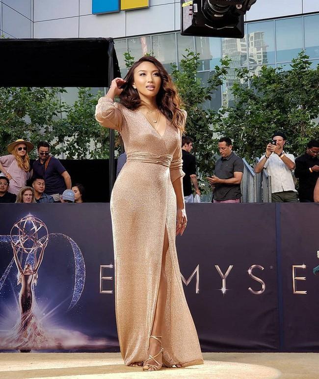 Nữ MC gốc Việt dẫn hậu trường thảm đỏ Oscar 2019: U50 nhưng vô cùng nóng bỏng, quá khứ bị lạm dụng tình dục - Ảnh 2.