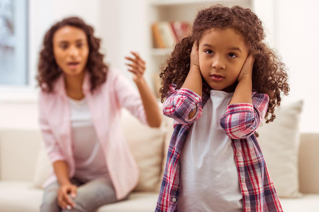"""5 cách đơn giản hiệu quả giúp cha mẹ kiểm soát những hành vi """"xấu xí"""" của trẻ dễ như trở bàn tay - Ảnh 2."""