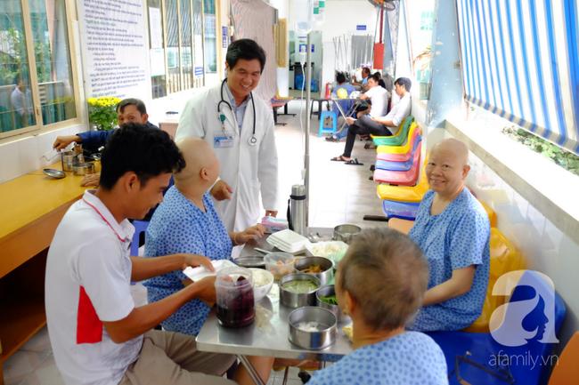 Bác sĩ 22 năm chữa bệnh hiểm nghèo, tìm cách giữ thiên chức làm mẹ cho bệnh nhân ung thư - Ảnh 10.