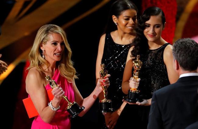 9 khoảnh khắc khó quên nhất tại lễ trao giải danh giá Oscar 2019 - Ảnh 7.