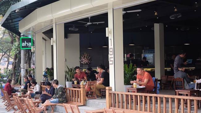Loạt quán cafe, trà sữa bán xuyên Tết ở Hà Nội để tha hồ tụ tập đầu năm - Ảnh 11.