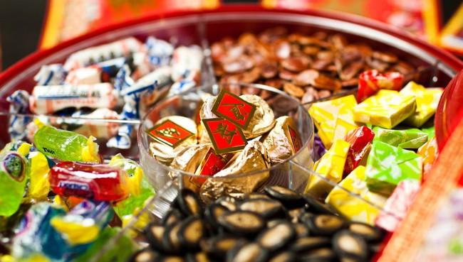 Lời khuyên cực hữu ích cho các mẹ để con luôn ăn uống lành mạnh ngay cả trong dịp Tết ngập ngụa bánh kẹo - Ảnh 2.