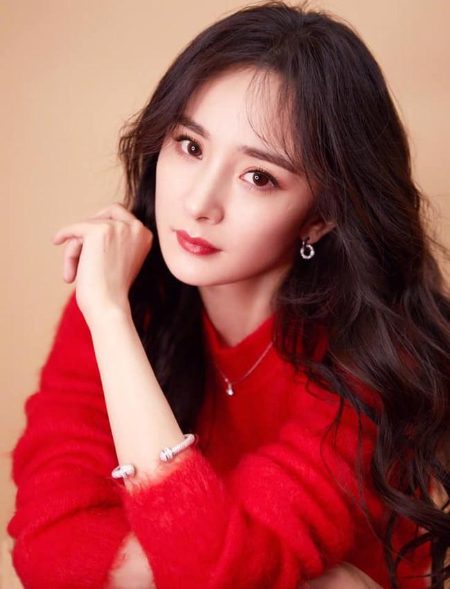 Những lời chúc nhuộm đỏ Weibo mùng 1 Tết của Angela Baby, Dương Mịch cùng dàn sao đình đám Cbiz - Ảnh 4.