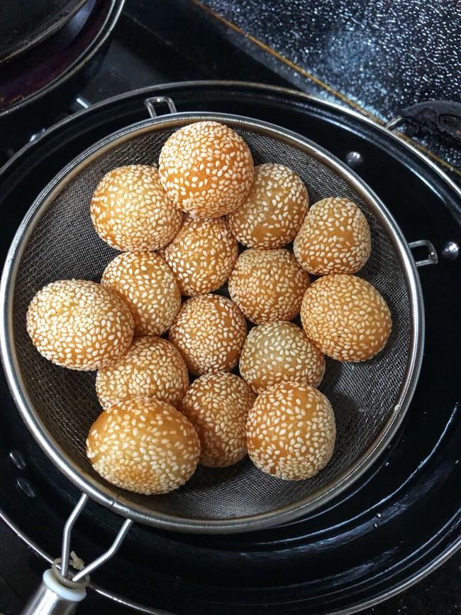 Bánh nếp chiên tròn xinh vàng ruộm cho năm mới đầy đặn rực rỡ - Ảnh 5.