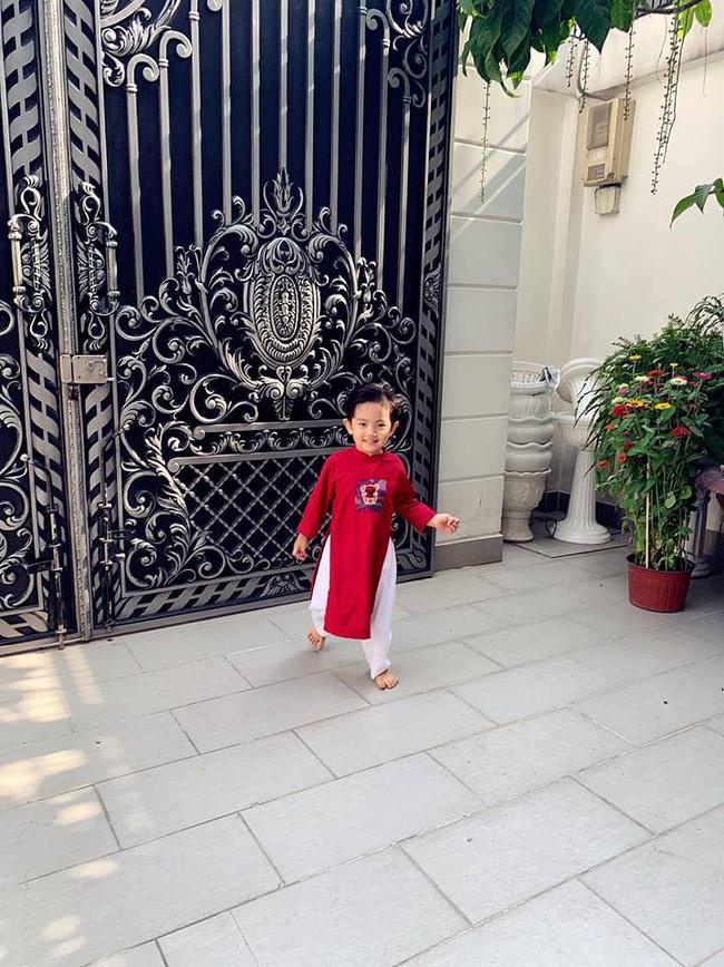 Nào có thua người lớn, nhóc tỳ nhà sao Việt xúng xính diện áo dài, nổi nhất là mẹ con Thu Thảo và Hà Anh - Ảnh 12.
