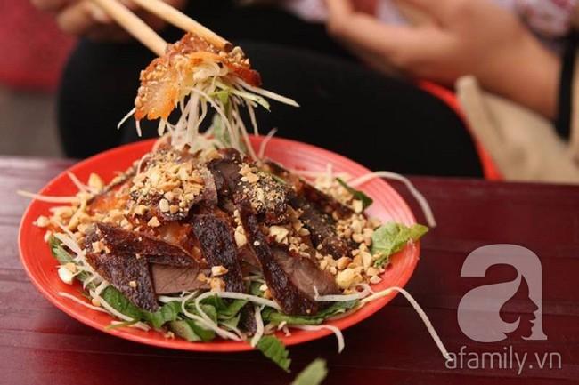 Ngán bánh chưng, thịt gà đến tận cổ? Đây là danh sách hàng quán bán xuyên Tết để giải ngấy ở Hà Nội - Ảnh 12.