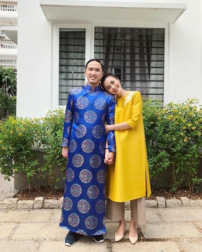 """Diện lại áo cưới, chồng Hà Tăng còn khiến dân tình ghen tị vì hành động """"giữ vợ"""" quá đỗi ngọt ngào - Ảnh 2."""