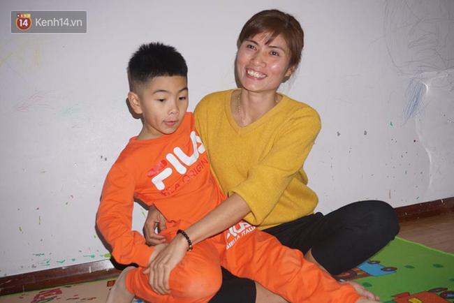 Tết đoàn viên đầy hạnh phúc của hai bé trai bị trao nhầm ở Hà Nội suốt 6 năm - Ảnh 3.