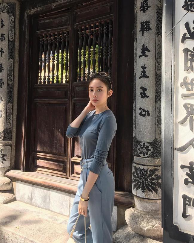 Hot girl Lào gốc Việt về Hà Nội ăn Tết, khoe ảnh rạng rỡ trên phố đi bộ - Ảnh 1.