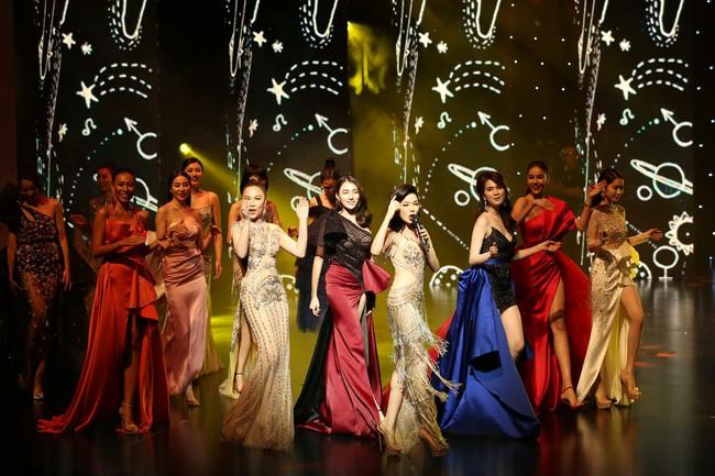 Đêm Hội Chân Dài 12: Không diễn kiểu Victorias Secret, Ngọc Trinh đằm thắm đến lạ khi catwalk với đầm dạ hội - Ảnh 7.