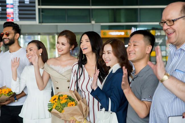 Ngọc Châu rạng rỡ chào đón Miss Supranational và Mister Supranational đến Việt Nam - Ảnh 11.