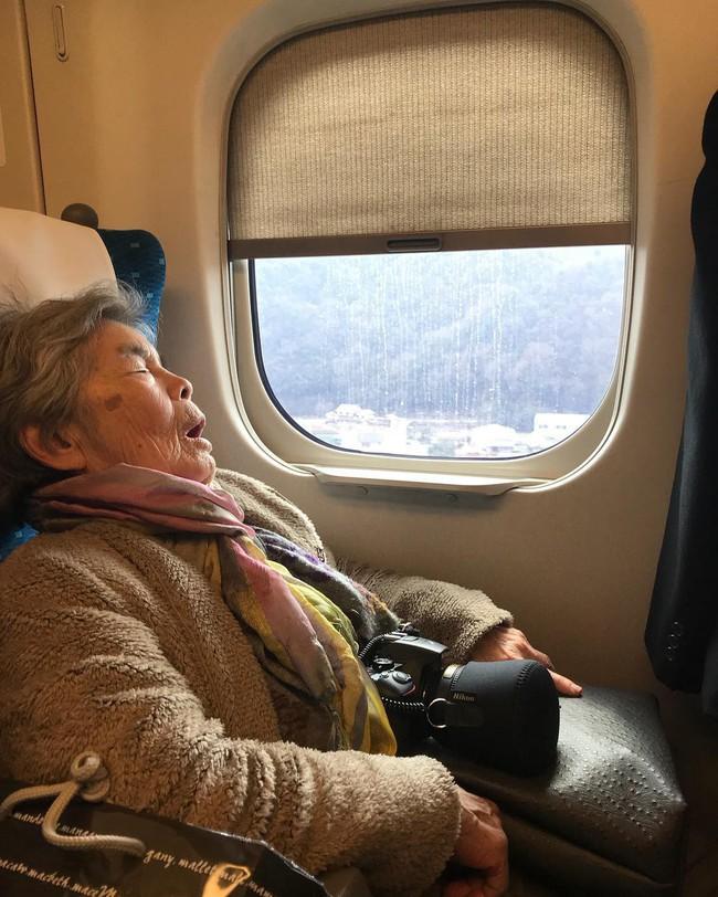 """Từ bỏ cuộc sống buồn chán, cụ bà Nhật tìm thấy niềm đam mê lúc 72 tuổi rồi thành ngôi sao MXH nhờ bộ ảnh """"sống ảo"""" cực chất - Ảnh 4."""