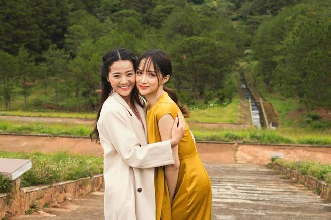Không ngờ cô bạn thân giật người yêu cũng sở hữu sắc vóc vạn người mê đến Hương Giang cũng phải dè chừng - Ảnh 1.