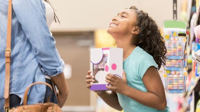 Cha mẹ hãy nắm ngay 9 cách ứng phó với thói xin xỏ nài nỉ cho bằng được của trẻ - Ảnh 1.