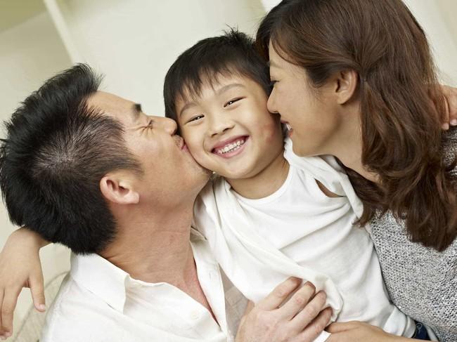 Bí kíp cứu tinh cho những mẹ có con hay xấu hổ trở nên tự tin mạnh dạn hơn - Ảnh 2.