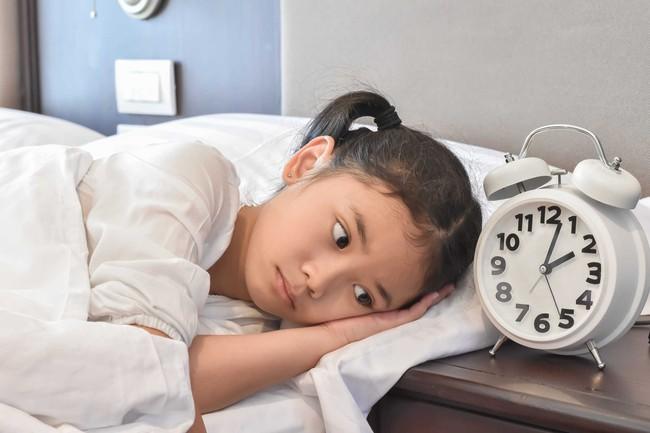 Mất ngủ, ngủ ngáy, mộng du là những vấn đề giấc ngủ của con không phải mẹ nào cũng nghĩ tới - Ảnh 2.