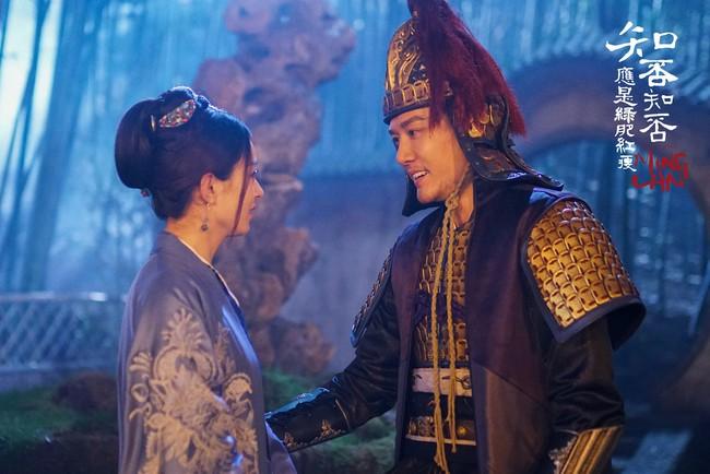 Không phải chỉ đến khi sinh con, Triệu Lệ Dĩnh mới được chồng yêu chiều, khi đóng phim, cô nàng còn được hơn thế nữa!  - Ảnh 11.