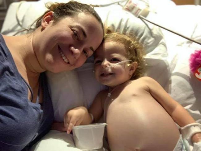 Làm sao mà em bé 2 tuổi này lại bị bệnh ung thư buồng trứng và lời giải thích của bác sĩ - Ảnh 3.