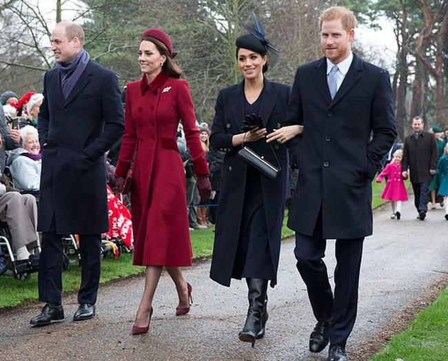 Hai cặp đôi Hoàng gia Anh chính thức tách biệt hoàn toàn, đường ai nấy đi, người dùng mạng phản ứng dữ dội vì điều này - Ảnh 1.