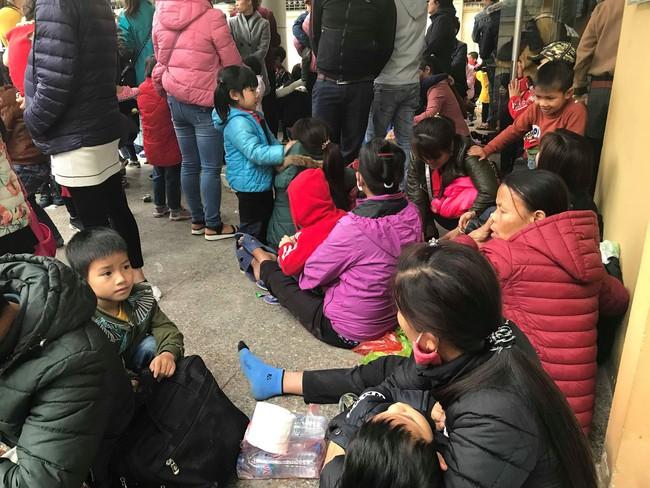 Hà Nội: Tiếp tục thêm hàng trăm trẻ phải đi xét nghiệm sau sự việc phát hiện sán lợn - Ảnh 1.