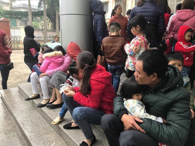 Hà Nội: Tiếp tục thêm hàng trăm trẻ phải đi xét nghiệm sau sự việc phát hiện sán lợn - Ảnh 2.