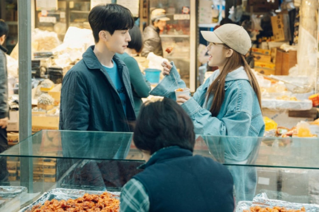 Lee Dong Wook - Yoo In Na trốn làm hẹn hò bí mật, fan kêu gào: Công khai ngay đi! - Ảnh 1.