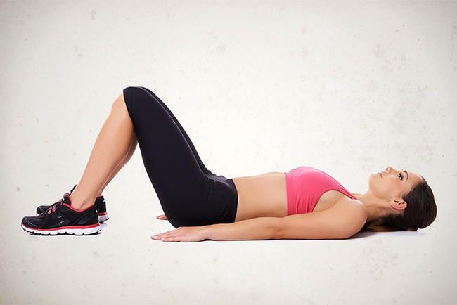Các bài tập cải thiện vóc dáng, giảm đau cổ vai gáy hiệu quả - Ảnh 1.