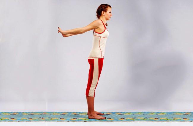 Các bài tập cải thiện vóc dáng, giảm đau cổ vai gáy hiệu quả - Ảnh 2.