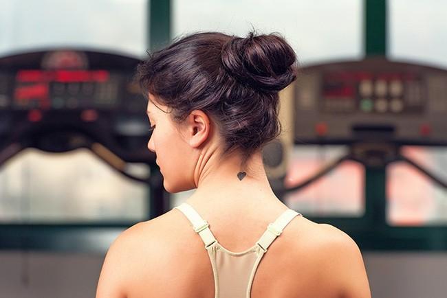 Các bài tập cải thiện vóc dáng, giảm đau cổ vai gáy hiệu quả - Ảnh 6.