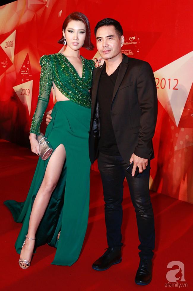 Thúy Ngân diện váy gợi cảm, xuất hiện đẹp đôi cùng Trung Dũng trên thảm đỏ - Ảnh 2.