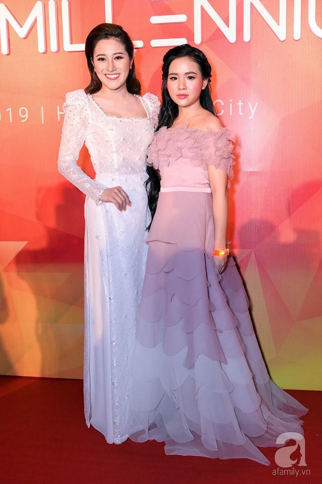 Thúy Ngân diện váy gợi cảm, xuất hiện đẹp đôi cùng Trung Dũng trên thảm đỏ - Ảnh 5.