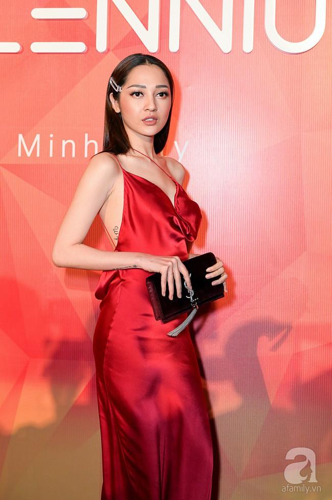Thúy Ngân diện váy gợi cảm, xuất hiện đẹp đôi cùng Trung Dũng trên thảm đỏ - Ảnh 18.